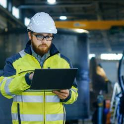 Why Manufacturers Are Moving to Hybrid Communications